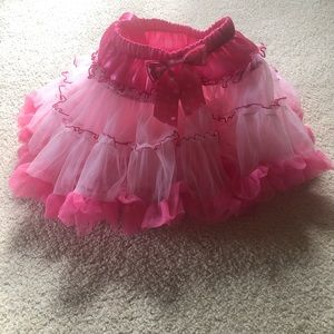 Girls Size 6/M Pink Tutu With Bow
